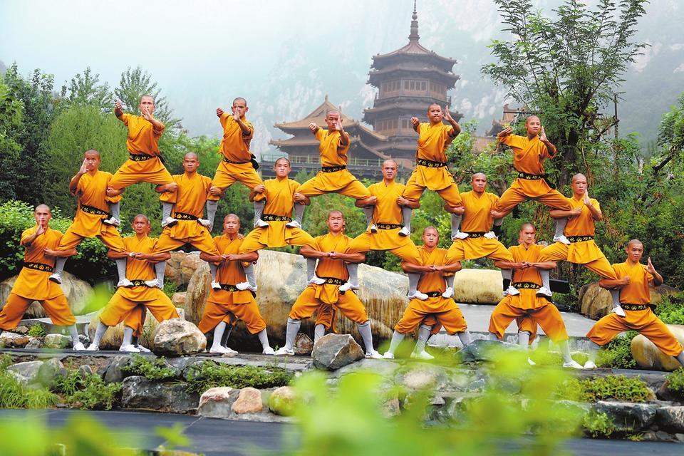 少林小子苦练迎接第十一届全国少数民族传统体育运动会