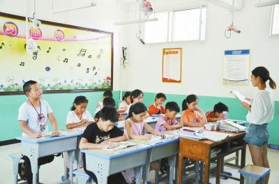 """汝州驻村第一书记刘晓晨""""扶智""""记:让知识的""""心灯""""照亮扶贫的路"""
