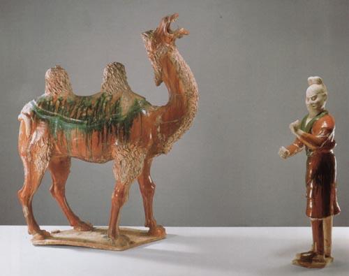 三彩骆驼及牵驼俑