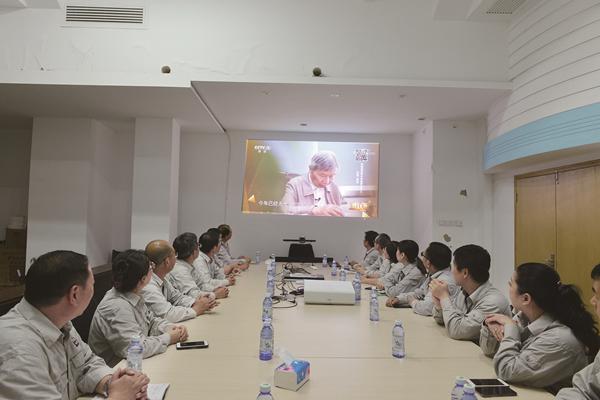 """""""时代楷模""""陈俊武先进事迹引发社会强烈反响"""