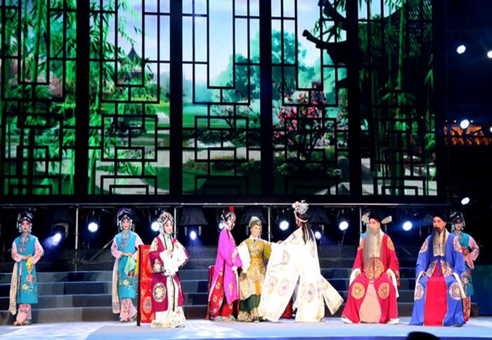 河南豫剧院青年团应邀参加第二届吉林非遗节开幕式受热捧