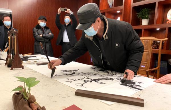 """河南机场集团""""浓墨重彩—庆祝建党100周年书画名家作品展""""开幕"""