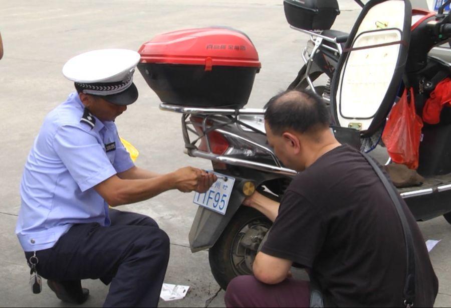 刚刚发布!5月1日起,郑州市区无牌电动自行车不能上路
